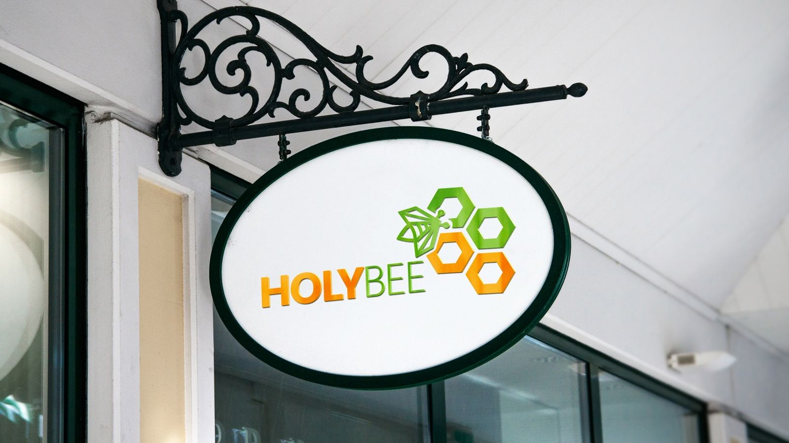 Thiết kế logo Holy Bee
